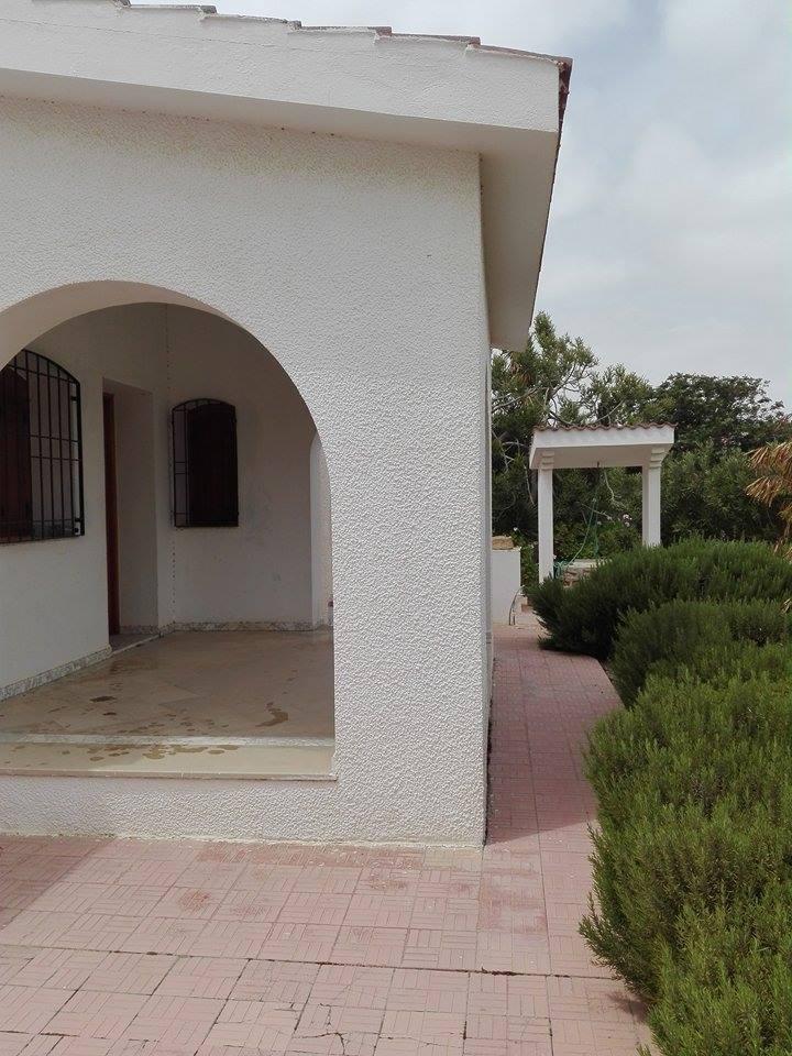 Image    A vendre Villa bâti sur un Terrain de 4000m sur route principal 10