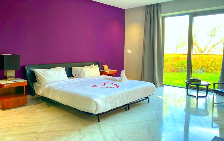 Image Villa Moderne de 4/5 Suites avec Piscine 6