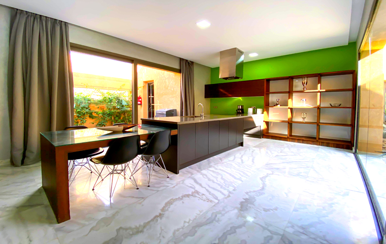 Image Villa Moderne de 4/5 Suites avec Piscine 3