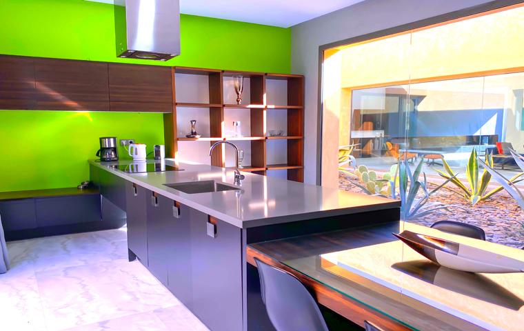Image Villa Moderne de 4/5 Suites avec Piscine 2