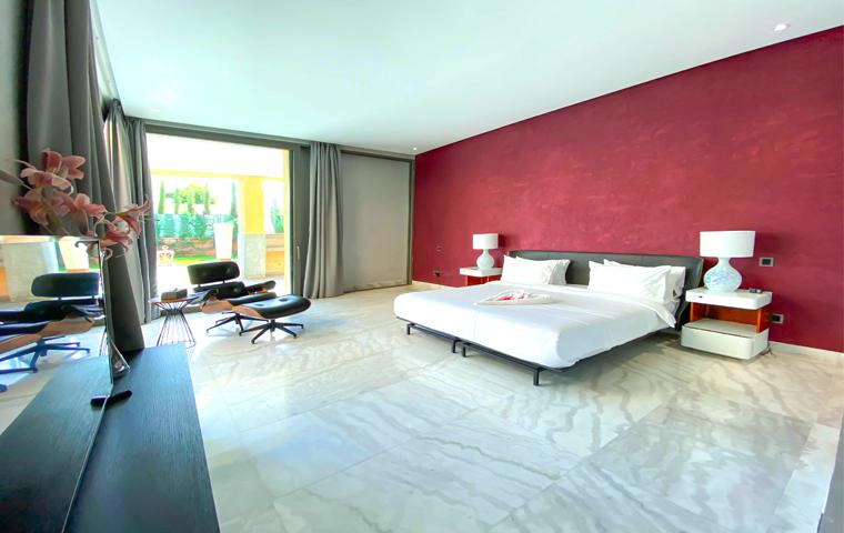 Image Villa Moderne de 4/5 Suites avec Piscine 0