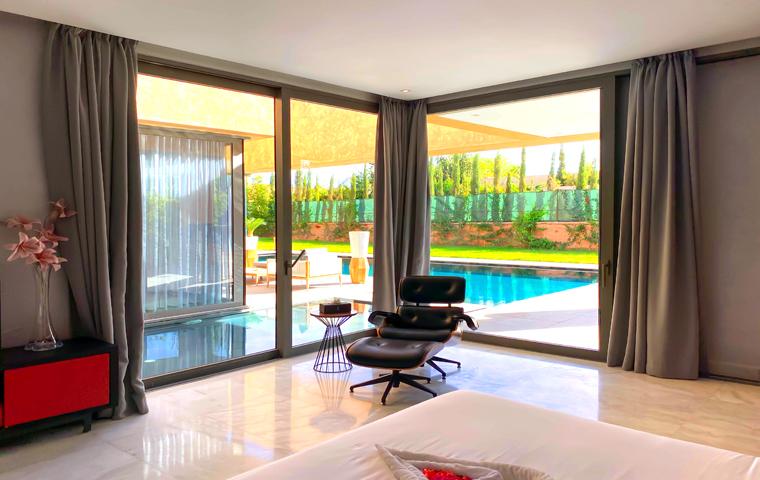 Image Villa Moderne de 4/5 Suites avec Piscine 1