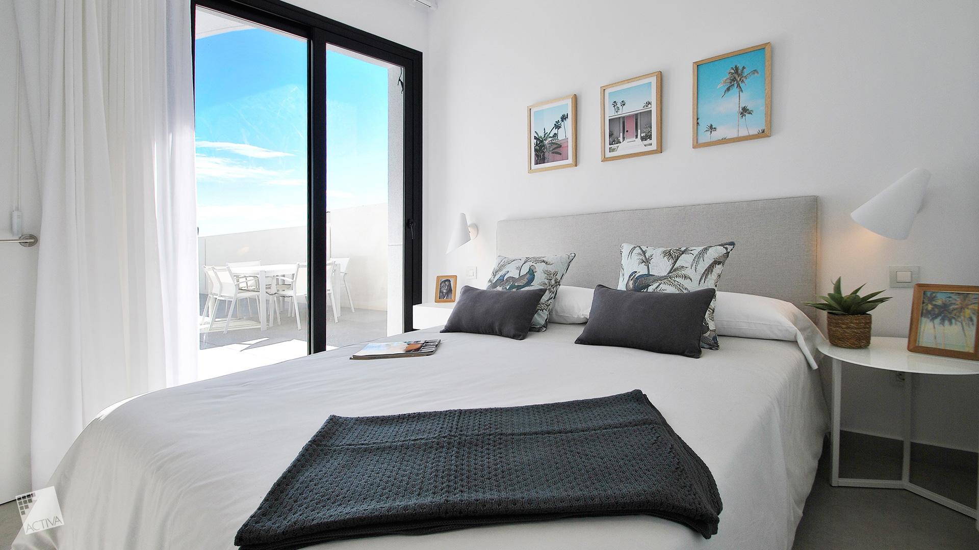 Image Elegant Villa in La Marina – Key-Ready 5