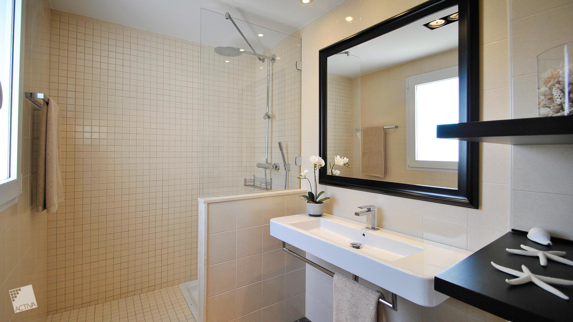 Image Spectacular Colonial Style Villa in La Marina – Key Ready 7