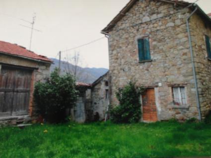 Image Sale house borgovalditaro parma 1