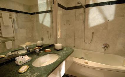 Image Sale hotel milano  4