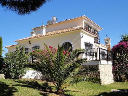 Image Sale villa benajarafe  1