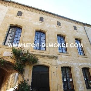 Très belle maison dans le centre ville de Monpazier (24540)></noscript>                                                         <span class=