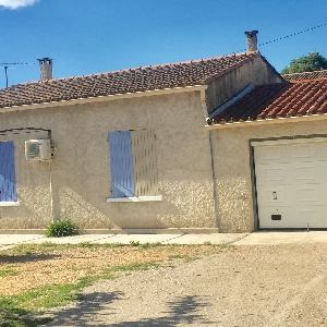 House at Saint-Rémy-de-Provence 90m2></noscript>