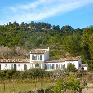 SUPERB PROPERTY IN PROVENCE></noscript>