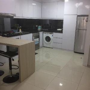 appartement à louer 107 m2 à Jakarta, Indonesie Cosmo mansion></noscript>