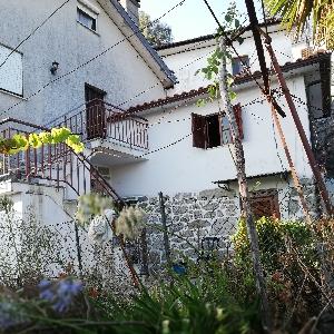 Maison en pierre au calme du vallée ></noscript>                                                         <span class=