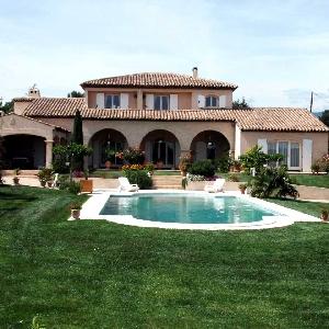 For sale Villa La Tour d'Aigue></noscript>                                                         <span class=