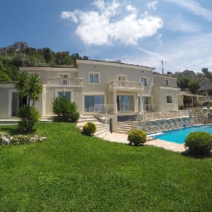 Luxury villa located in the South of France
