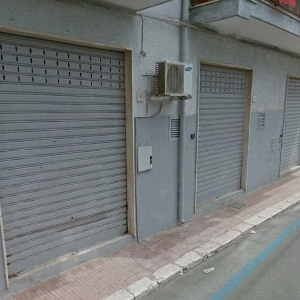 Three commercial properties in Apulia></noscript>